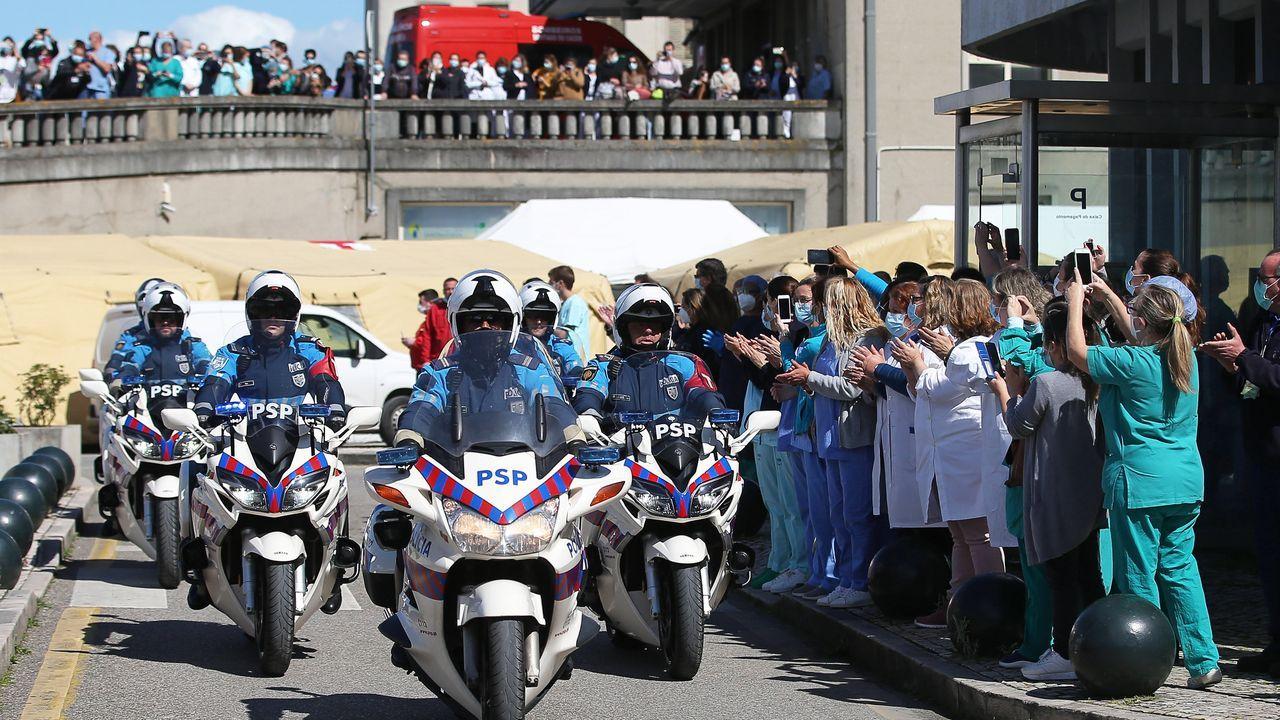 La policía portuguesa también homenajeó a los profesionales sanitarios con una marcha en moto en Lisboa