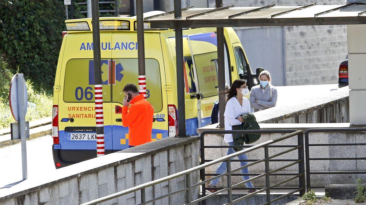 Incendio el Cotobade: el primer gran fuego de la primavera.Accesos al hospital Montecelo, en Pontevedra