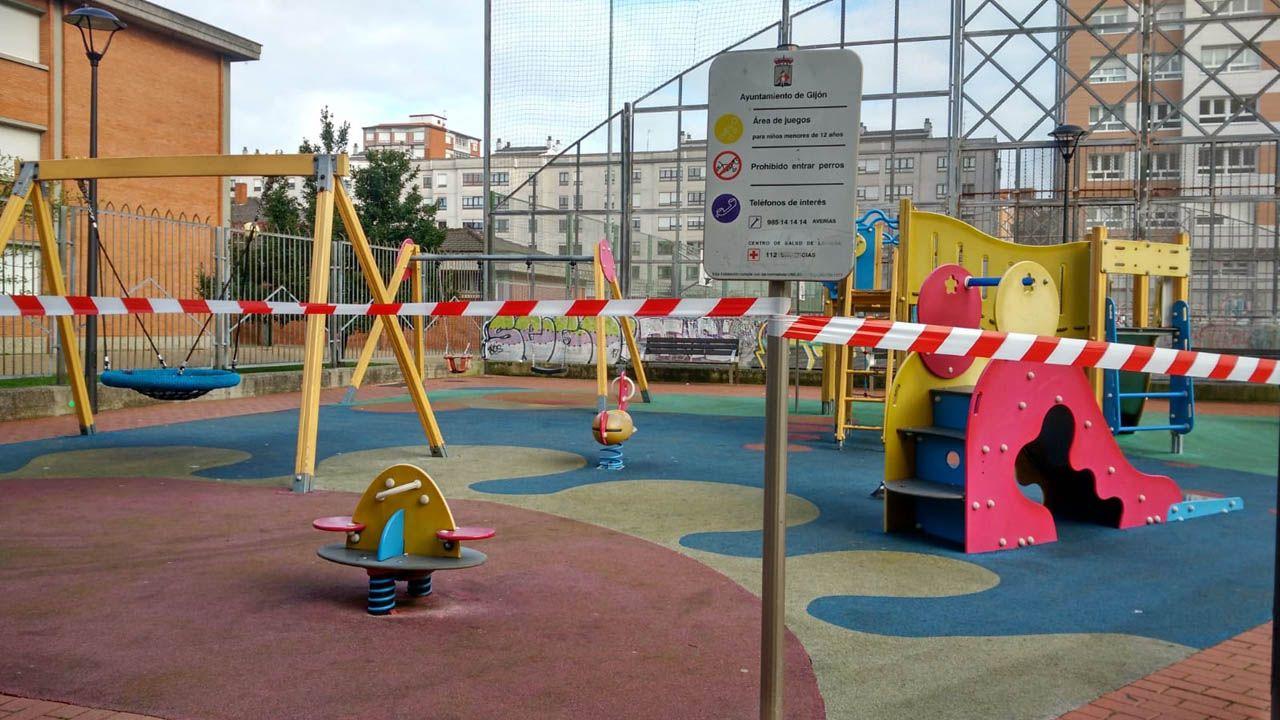 Parque infantil cerrado en Gijón