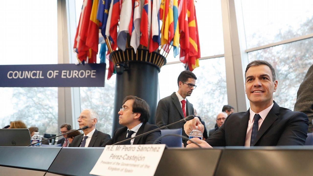 La PAH paraliza un desahucio en Oviedo.El presidente Pedro Sánchez durante su intervención hoy en el Comité de Ministros del Consejo de Europa en Estrasburgo