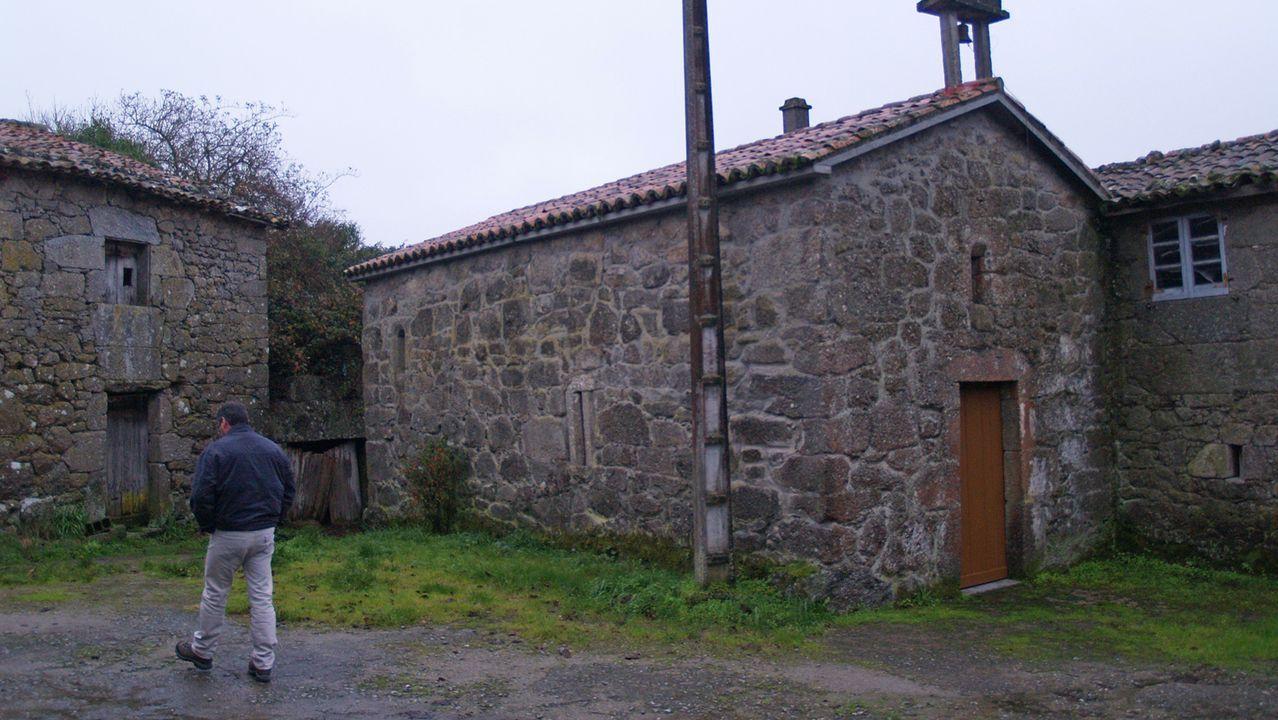 Efectos dela borrasca Elsa en el sur lucense.La capilla restaurada de Soilán no muestra hoy las huellas del incendio que sufrió hace dos décadas