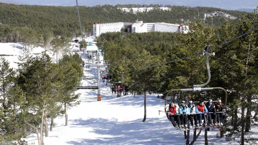 Los primeros esquiadores de Manzaneda