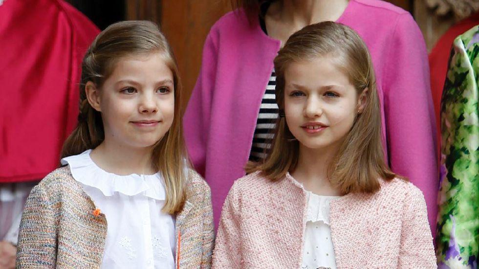 La sesión de apertura solemne de las Cortes, en imágenes.Parte de la Familia Real, saludando el día de la proclamación de Felipe VI.