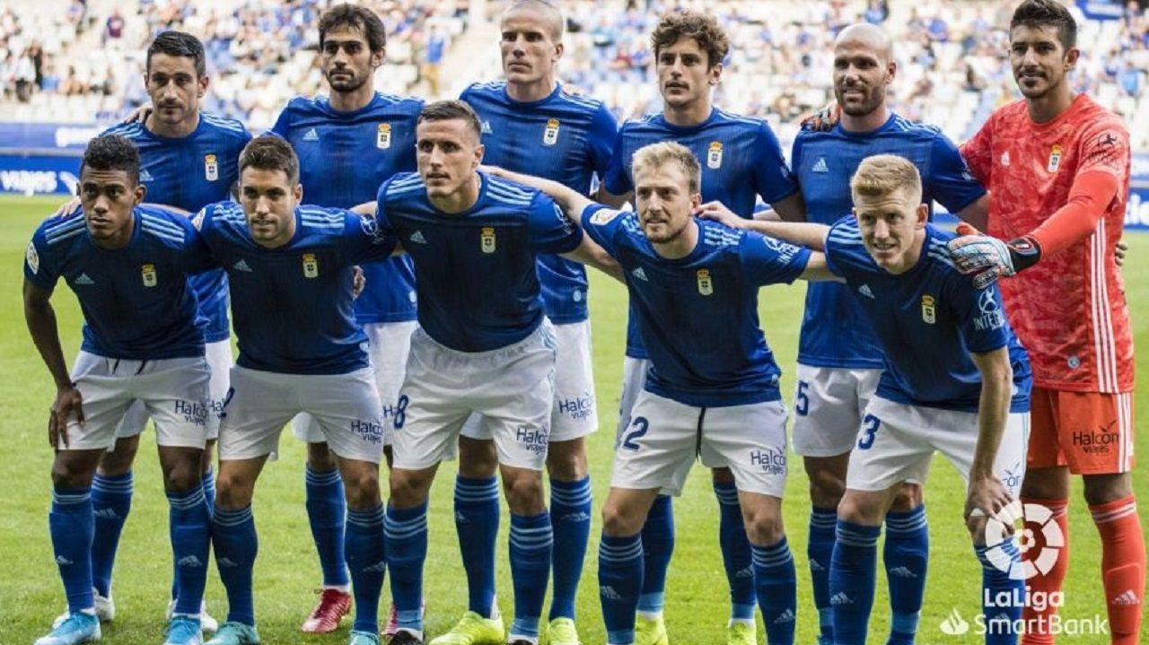 Alineación del Real Oviedo ante el Extremadura
