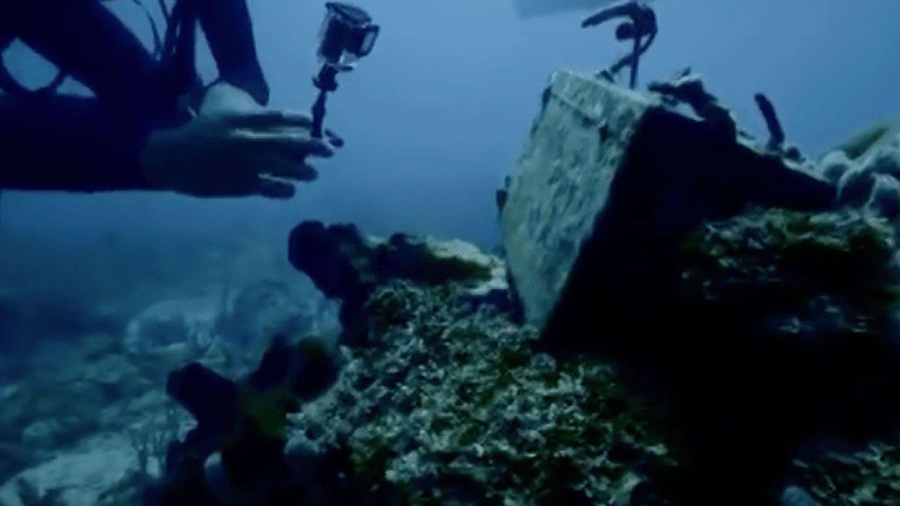 Hallan uno de los submarinos de Pablo Escobar.Aeropuerto de Asturias