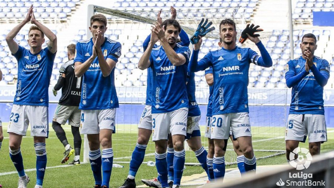 gol Tejera Arnau Real Oviedo Mirandes Carlos Tartiere.Los futbolistas del Real Oviedo dedican a Francesc Arnau el gol de Sergio Tejera al Mirandés