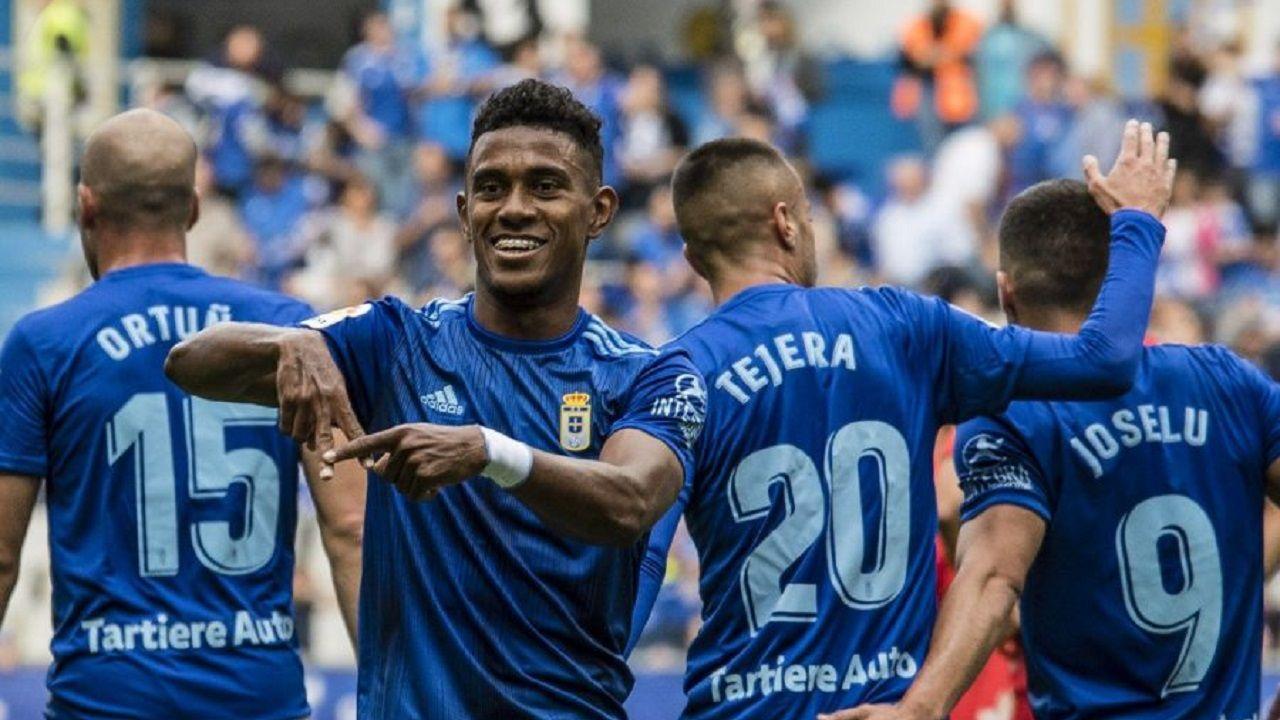 gol BarcenasReal Oviedo Numancia Carlos Tartiere.Bárcenas, durante la celebración de su gol ante el Numancia
