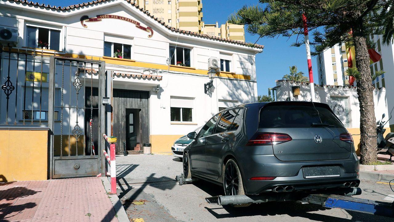 El hombre que presuntamente atacó a dos mujeres con ácido, y que conducía el coche que aparece en la imagen, protagonizó una espectacular persecución en la que participaron hasta una treintena de vehículos policiales
