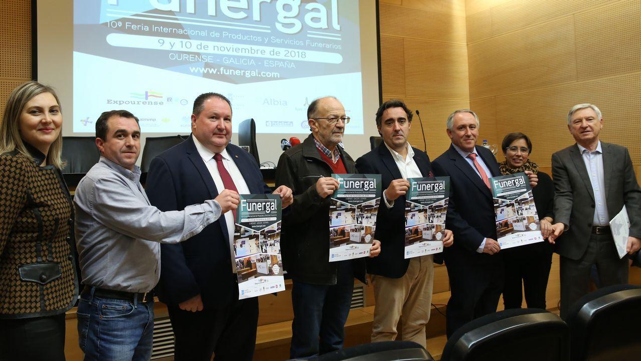 Las novedades del sector funerario, en Ourense.Suso Morlán, con David Cal en Pontevedra en el 2009