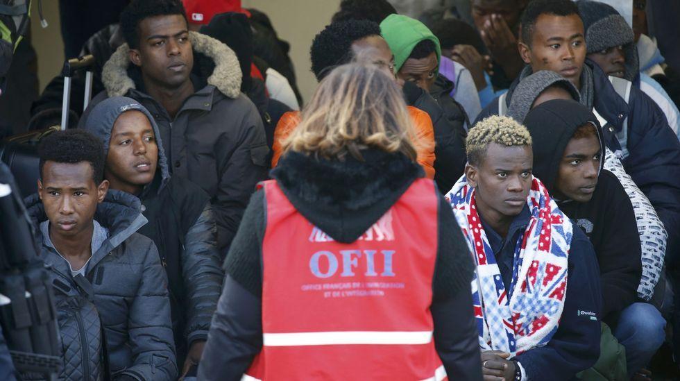 Más de 240 inmigrantes desaparecidos en dos naufragios en el Mediterráneo.Protestas estudiantiles contra los valores racistas que promueve Obama
