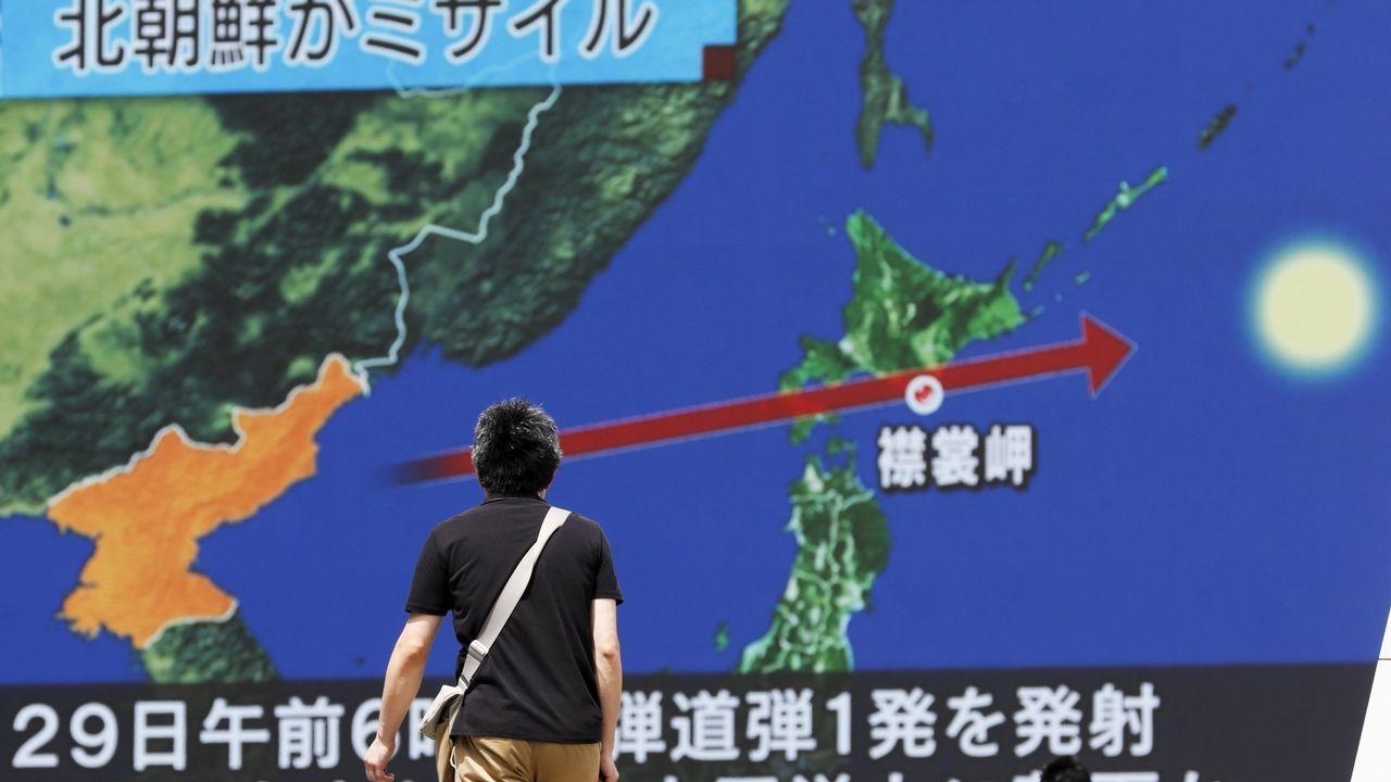 Corea del Norte realiza el que sería su sexto y más potente ensayo nuclear.El líder norcoreano Kim Jong-Un, en un acto militar en Pyongyang