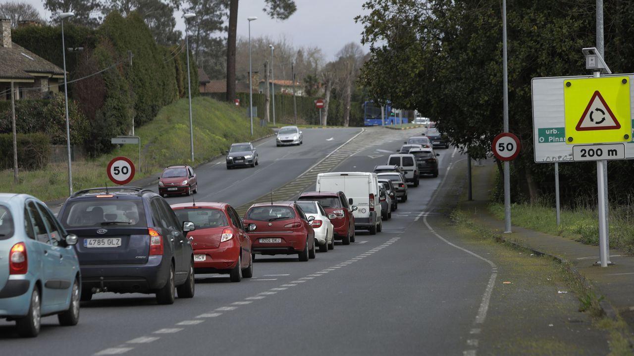 REDEIRAS DE LORBÉ.Protesta en San Paio, Guísamo, por la peligrosidad de la carretera