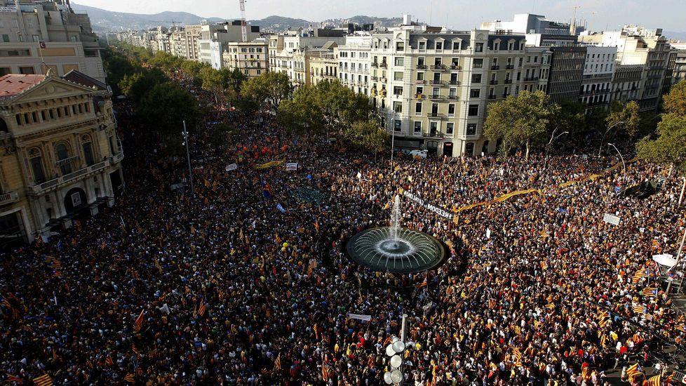 11 septiembre 2012 | Gran manifestación por la independencia. Con motivo de la Diada, más de un millón de catalanes participaron en Barcelona en una marcha sin precedentes por la secesión.