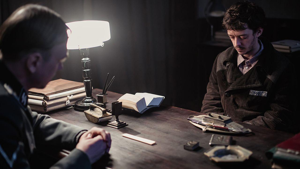Fotograma del filme «El profesor de persa»