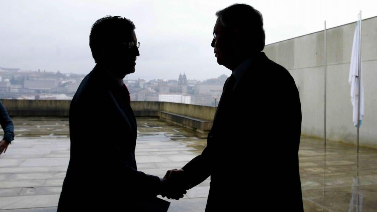 Rubalcaba lideró el PSOE, optó a presidente y su papel fue fundamental en el final de ETA.Alberto Núñez Feijoo y Emilio Pérez Touriño, en una imagen de 2006