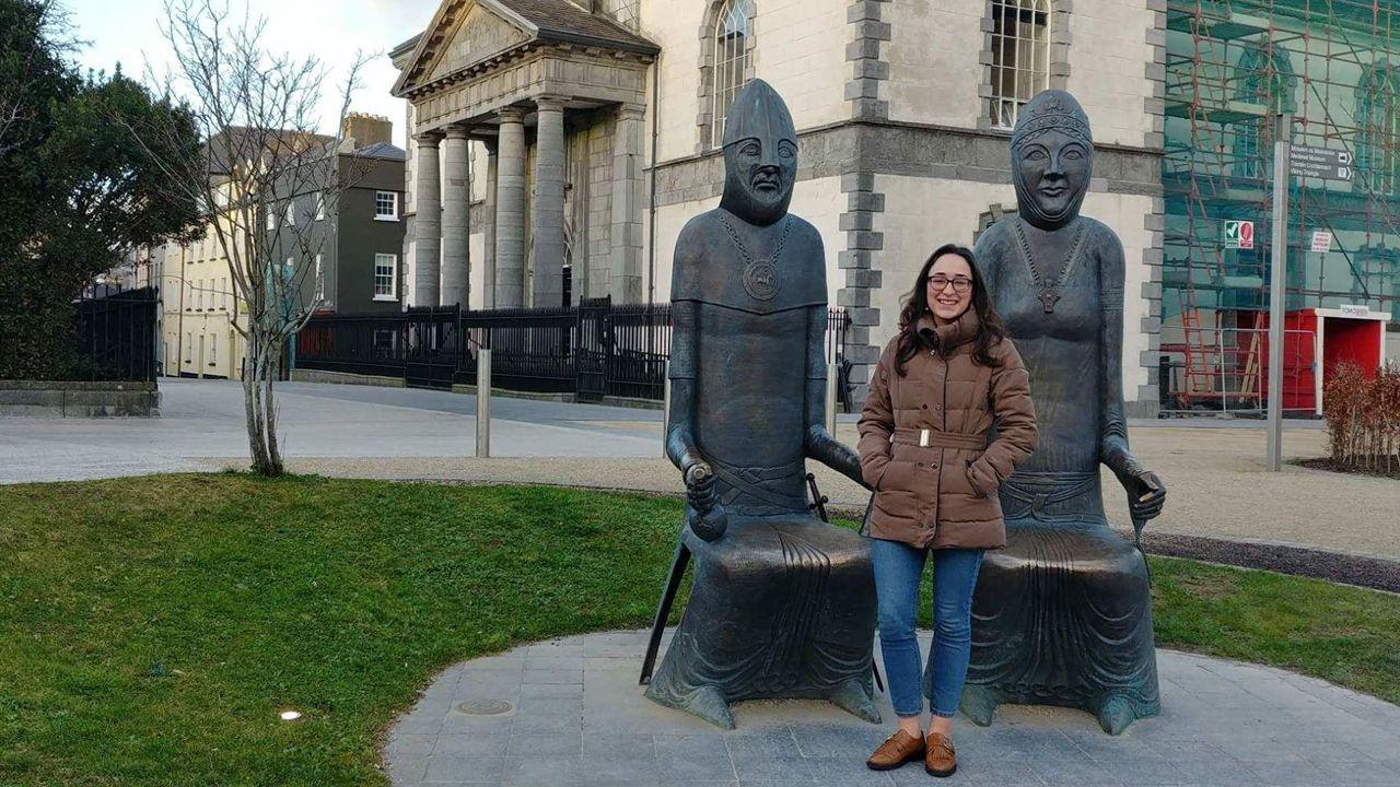 Así suena la Old Timers Jazz Band de Praga.Marina Funes delante de Christ's Church y de las estatuas del principal líder de la invasión cambro-normanda en Irlanda