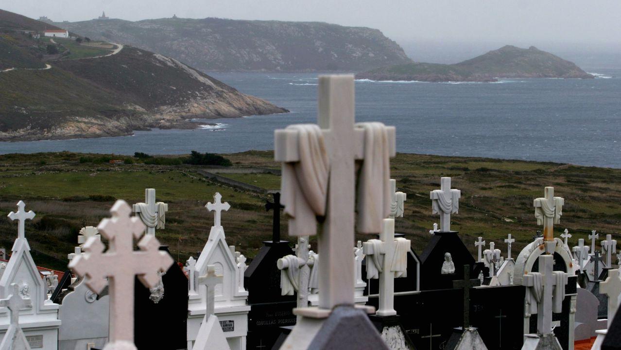 Protesta en A Coruña en contra de los parques macroeólicos.Concepción, en una imagen del 2011