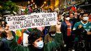 Manifestación en una calle de Valparaíso, en Chile