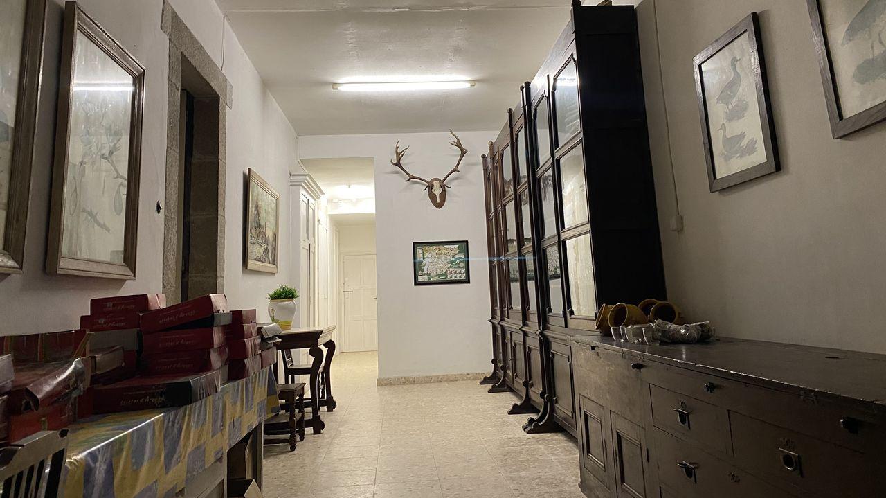 Mobiliario existente en uno de los salones del pazo de Meirás