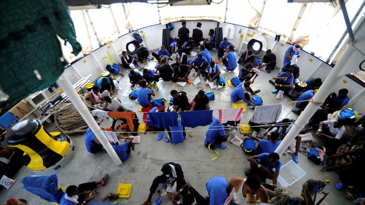 España acogerá finalmente a 60 de los 141 inmigrantes del Aquarius.Centro comercial Intu, en el concejo de Siero