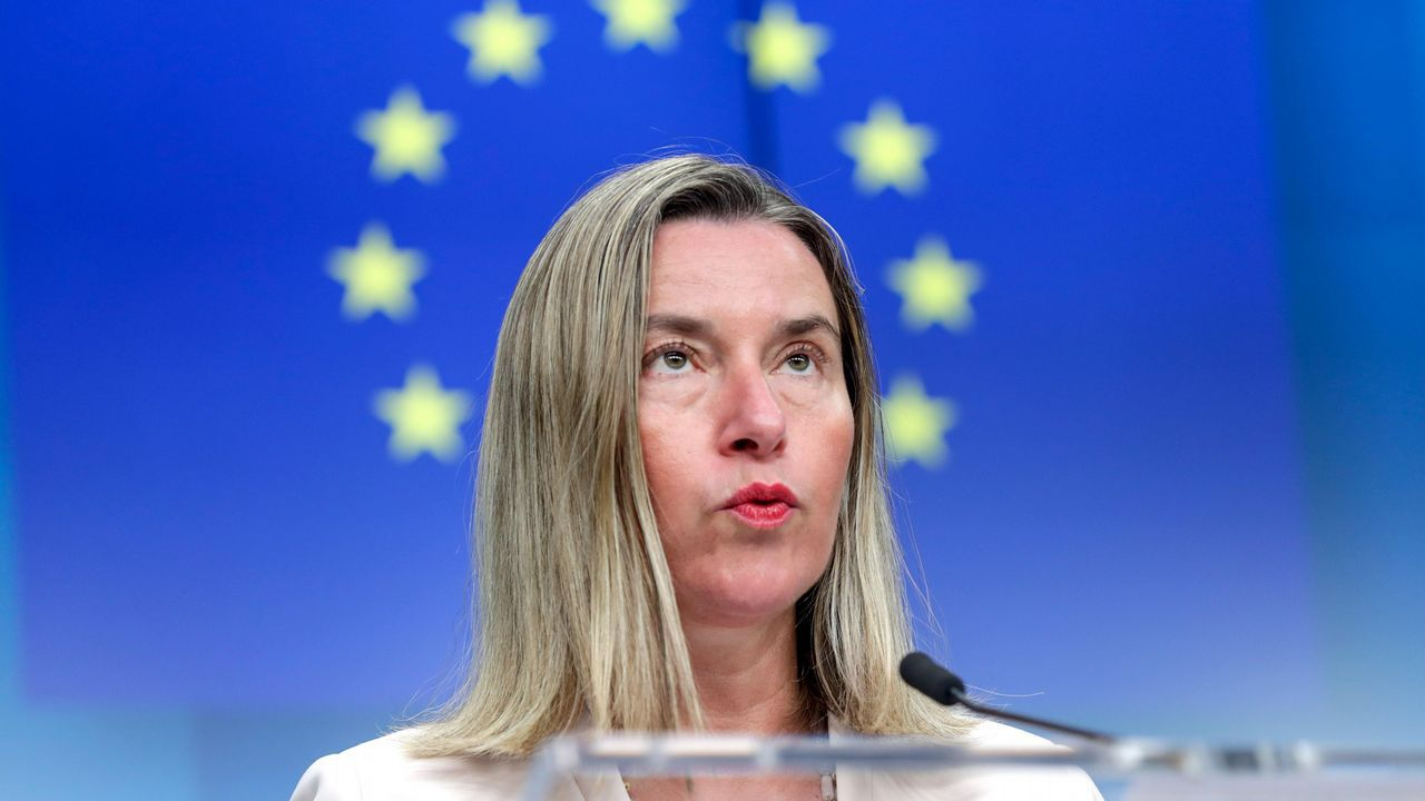 La jefa de la diplomacia europea, Federica Mogherini, considera que la decisión de retirar la imnunidad a Guaidó supone una violación de la Constitución de Venezuela