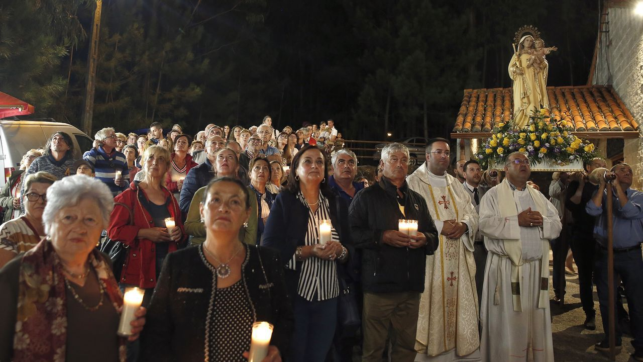 ¡Búscate en nuestro álbum de fotos de la procesión de A Mercé!
