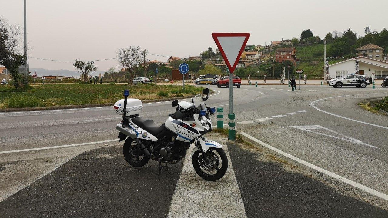 La rotonda de Ardán es uno de los puntos que controla la Policía Local de Marín esta Semana Santa