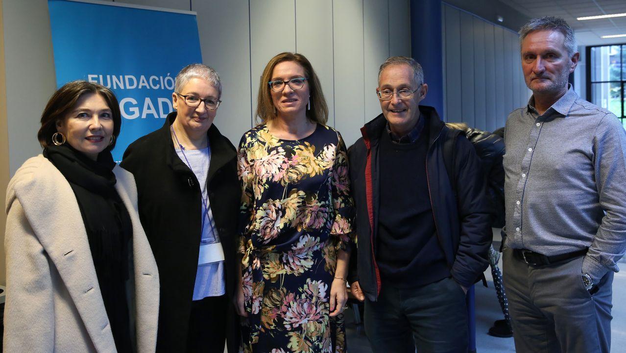 Medio millar de personas en la cena solidaria de la Asociación Galega de Ataxias.Mapa genético de España. Galicia, en azul, presenta el mayor aislamiento genético entre poblaciones.