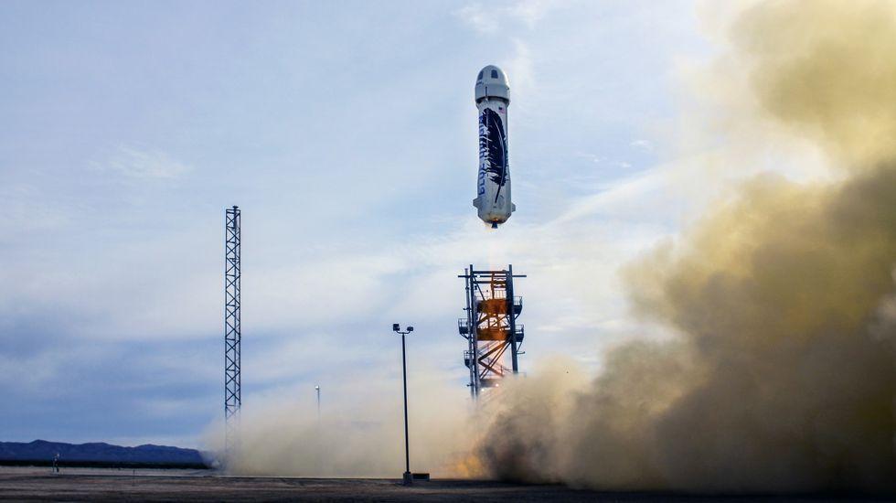 Así fue el aterrizaje del cohete de Blue Origin.Gates, con Hollande, en la presentación de la alianza en París.