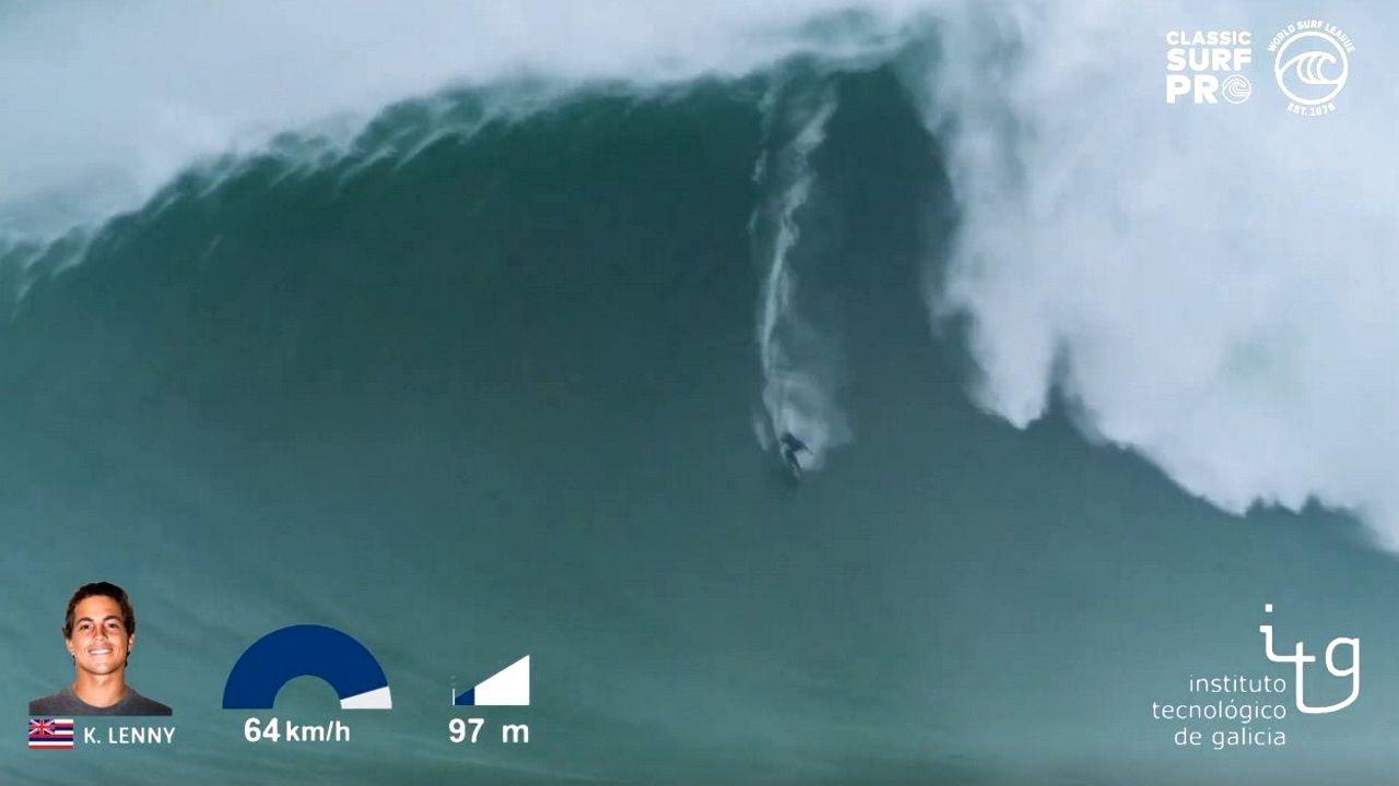 Kai Lenny surfea la ola más grande de la temporada en Nazaré