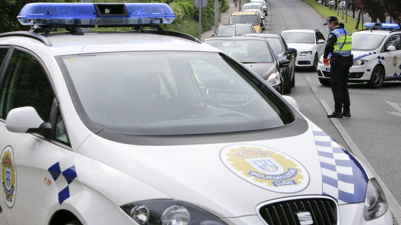 Fallece el copiloto de un camión que transportaba explosivos en Portomarín.El suceso se produjo en el punto kilométrico 1.3 de la LU-530 que va de Lugo a A Fonsagrada