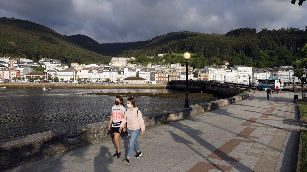 Viveiro regresó este sábado al nivel medio de restricciones por covid tras el brote registrado en mayo que llevó al municipio de nuevo al nivel alto