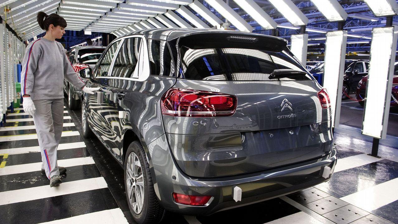 Que el fabricante francés PSA (Citroën, Peugeot, DS, con una gran factoría en Vigo) quiere comprar Opel, con plantas en Alemania y otros países europeos, es una noticia cercana y a la vez internacional