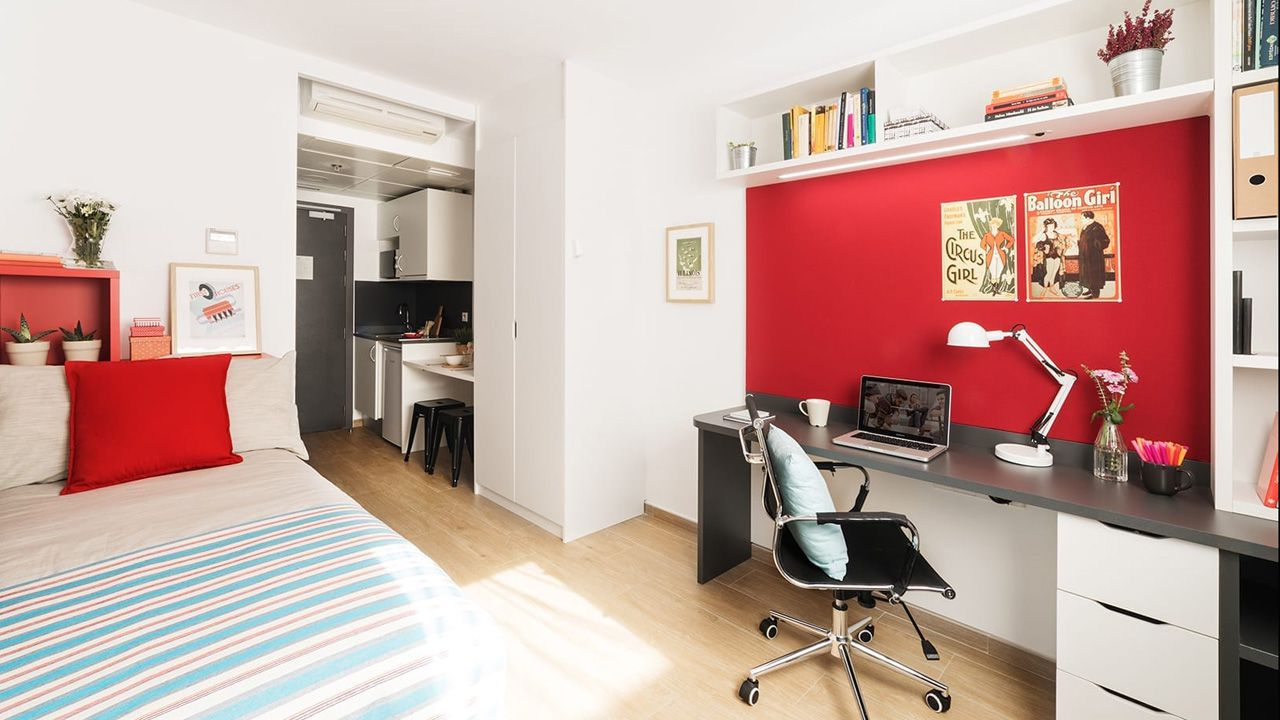 Habitación de la Residencia Claraval, en Madrid.