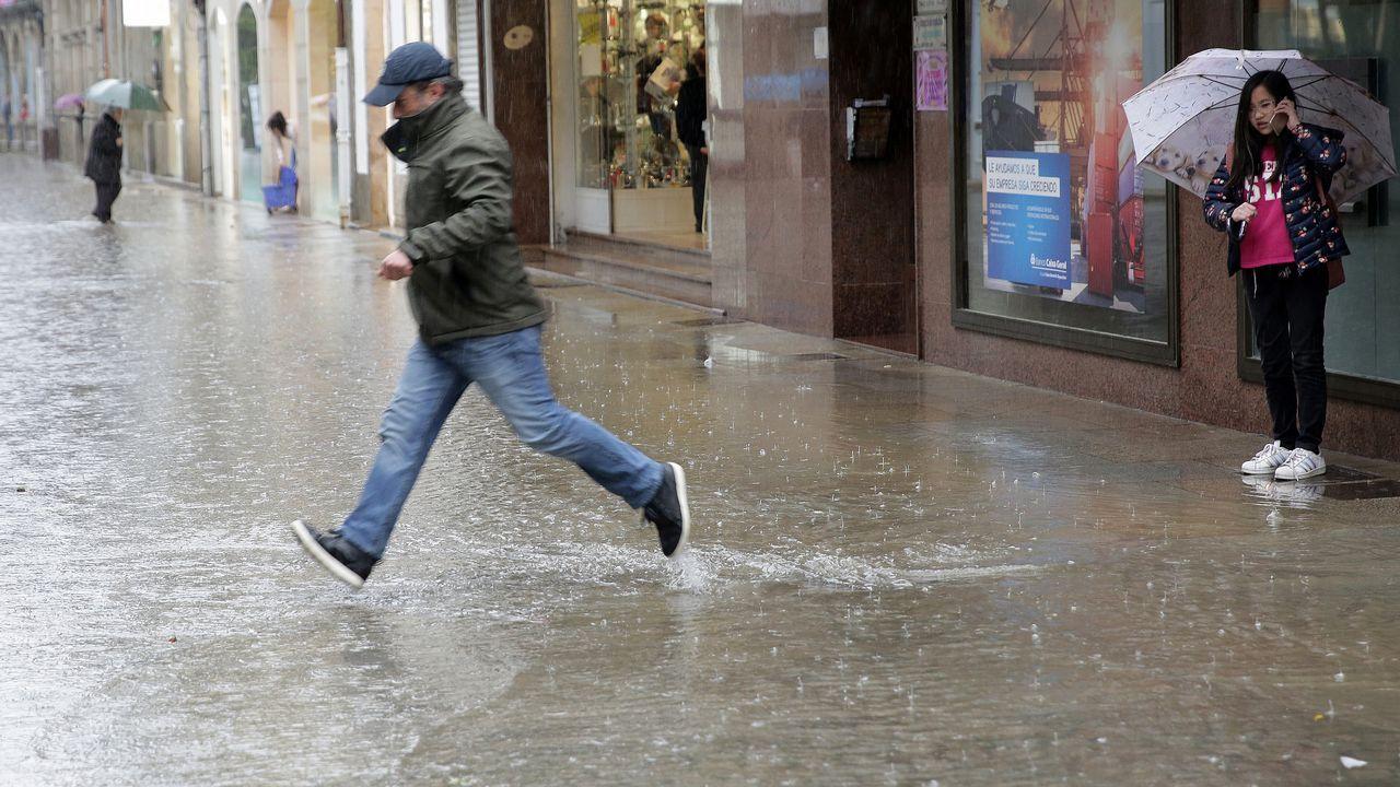 Una tromba de agua provoca pequeñas inundaciones en Vilagarcía