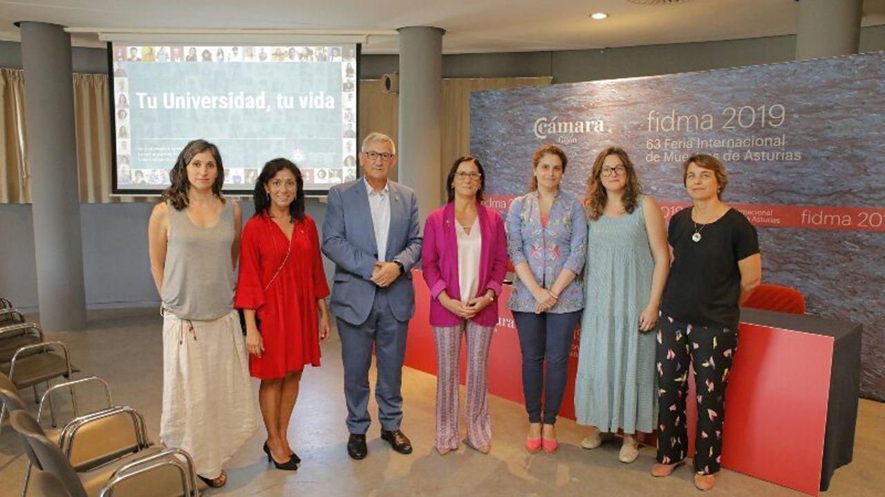 Barbón se estrena en la Universidad.El rector de la Universidad de Oviedo, Santiago García Granda, en la Feria Internacional de Muestras de Asturias