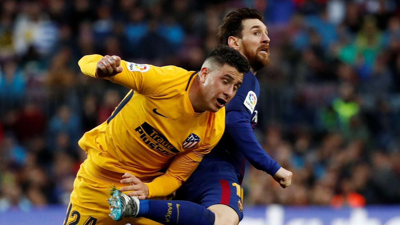 El Barça - Chelsea en imágenes.Andre Gomes celebra el tercer gol del Barça junto a Messi