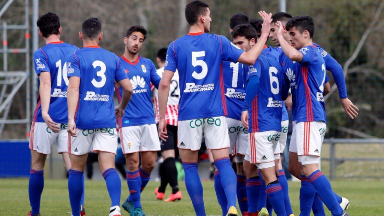 Real Oviedo Vetusta gol Requexon.Los futbolistas del Vetusta celebran un tanto esta temporada