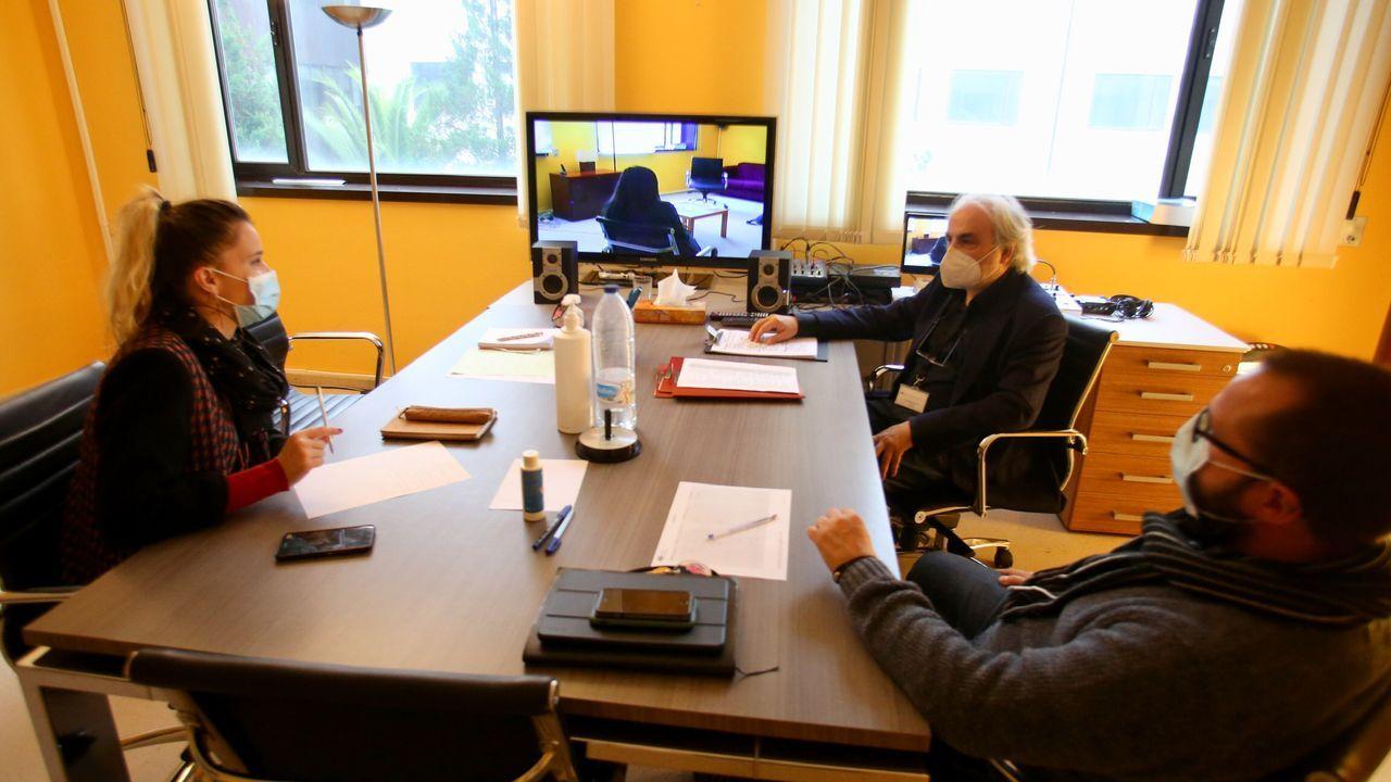 Las sesiones se realizan de manera virtual o bien presencialmente en la Unidad de Intervención Familliar, en la imagen