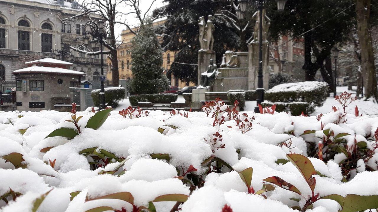 La nieve cubre Oviedo
