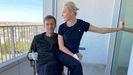 Alexéi Navalni divulgó este lunes una nueva foto con su esposa en el hospital Charité, de Berlín