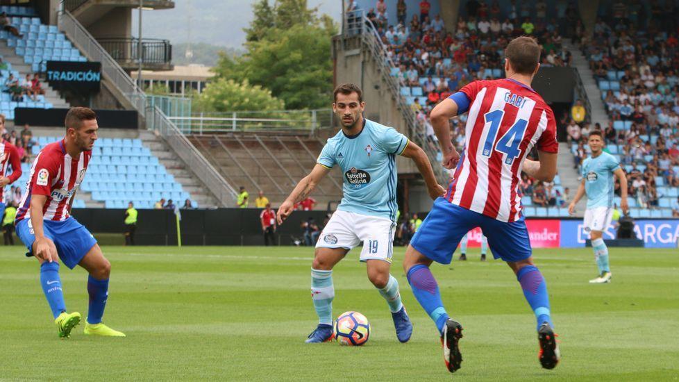 Jonny 4.Jonny 4. Los tres centro que acabaron en gol del Atlético nacieron en su banda