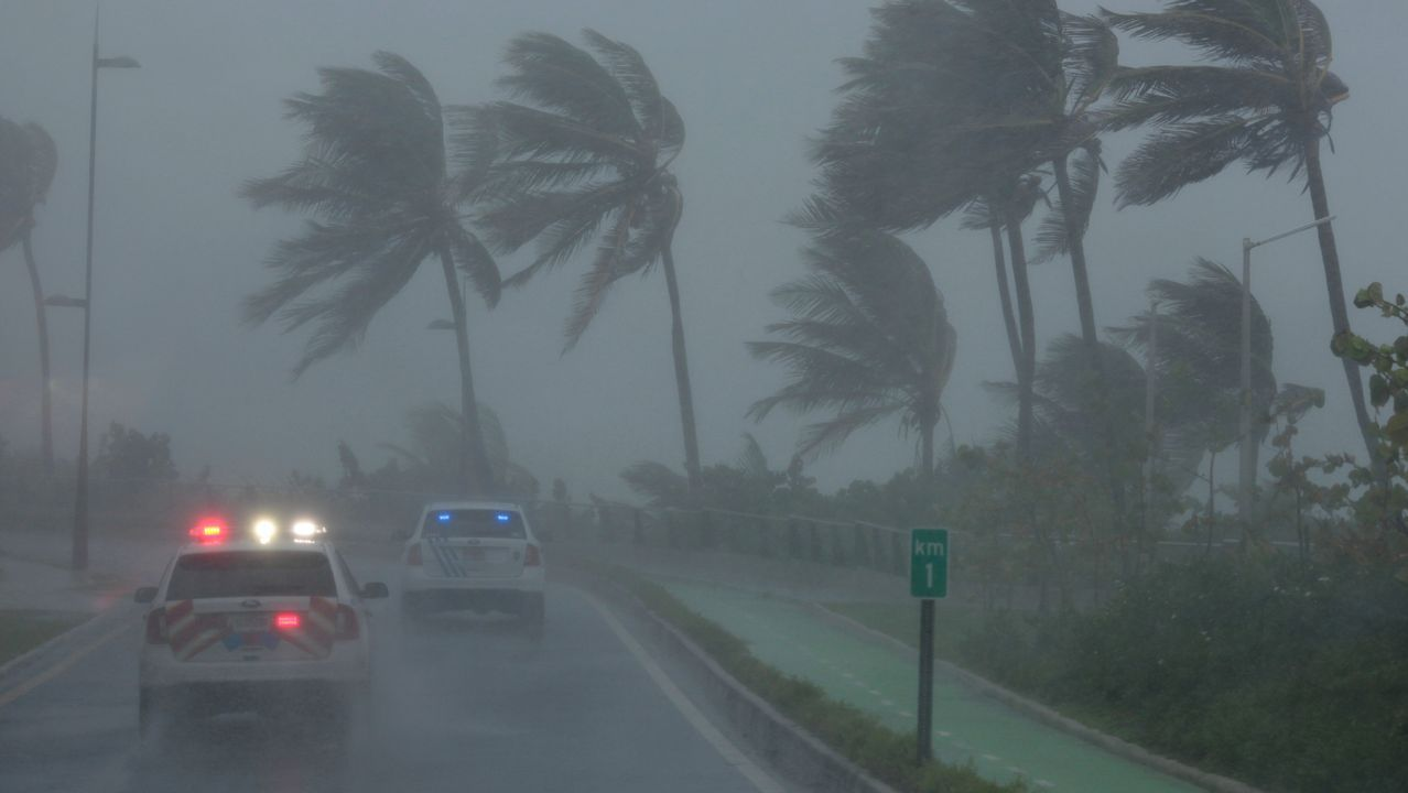 Marea ciclónica, la gran amenaza de «Irma».Españoles expatriados de San Martín por el «Irma»
