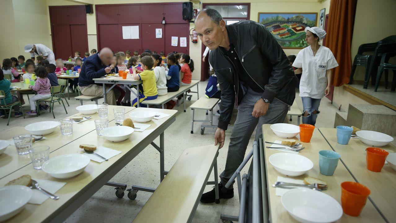 La vivienda de los padres detenidos en Lugo acumulaba gran cantidad de basura.Comedor escolar