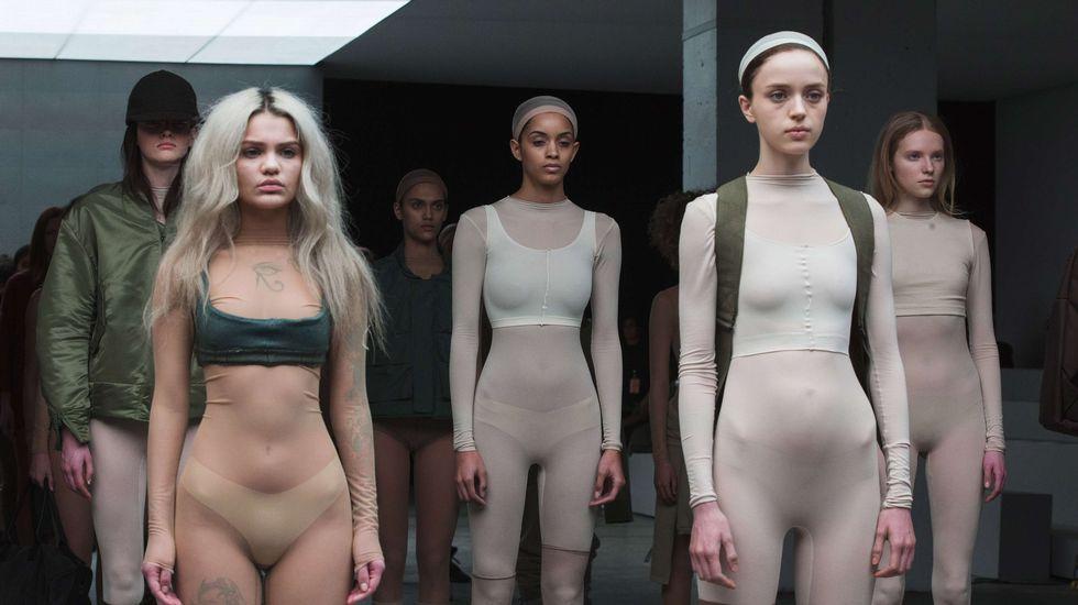 Semana de la Moda de Nueva York.La hija de Kanye West y Kim Kardashian, North, llorando durante el desfile de la colección que su padre diseñó para Adidas. Al lado de la niña, Anna Wintour, Beyonce, Jay-Z y Sean Combs