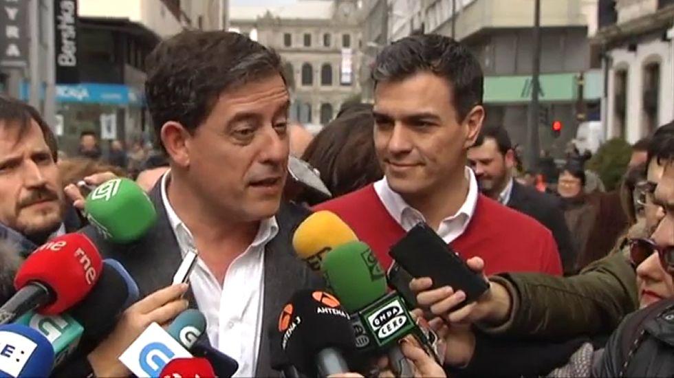 Besteiro reiteró ayer en Santiago su confianza en la «inocencia» de la alcaldesa viveirense.
