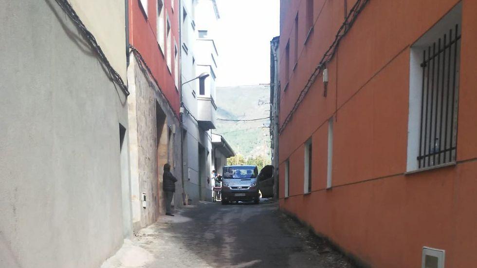 Peregrinos madrileños del Camino de Invierno pasado por la parroquia de Líncora, en Chantada