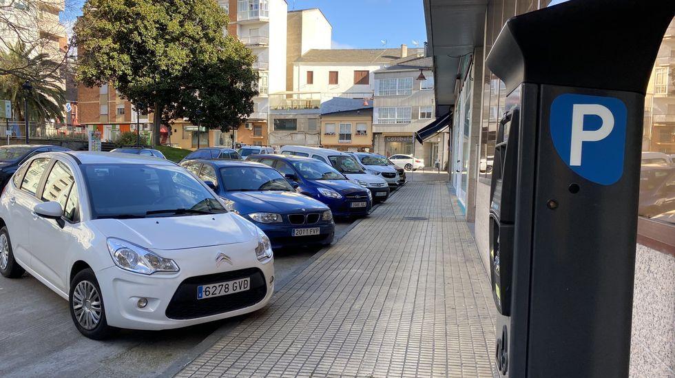 El retorno de la provincia de Ourense a las barras de los bares, en imágenes.El servicio de la ORA ha vuelto a funcionar en O Barco