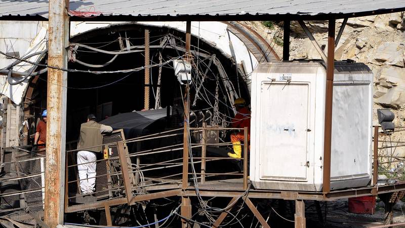 Brutal accidente en una mina en Turquía.Rumanía celebra su victoria en Grecia