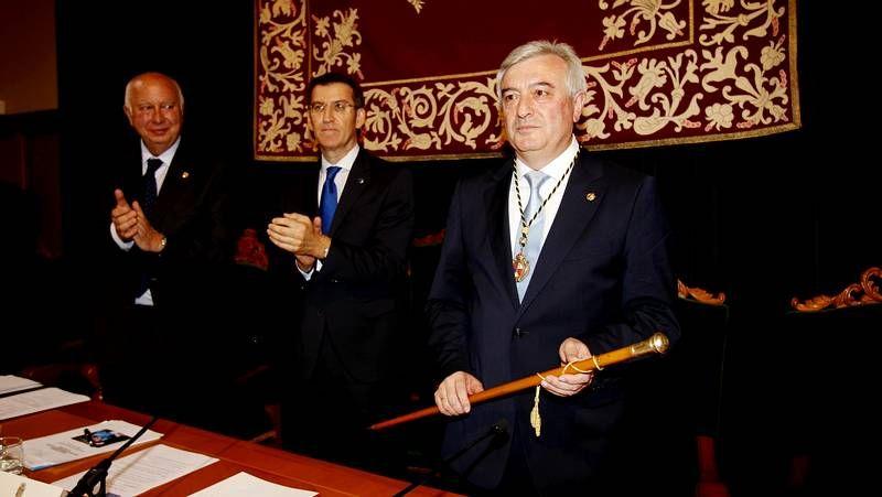 Silla.La silla vacía de Ángel Currás en la toma de posesión del nuevo rector de la USC